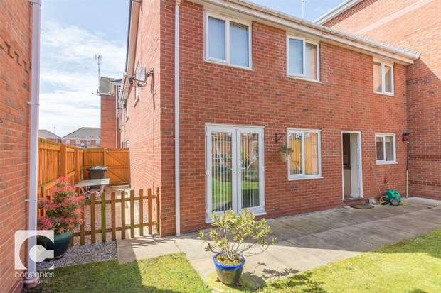 3 Bedrooms Town House for sale in Millfield, Neston, Cheshire