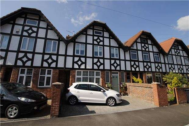 3 Bedrooms Terraced House for sale in Ashville Road, Ashton, Bristol, BS3 2AP