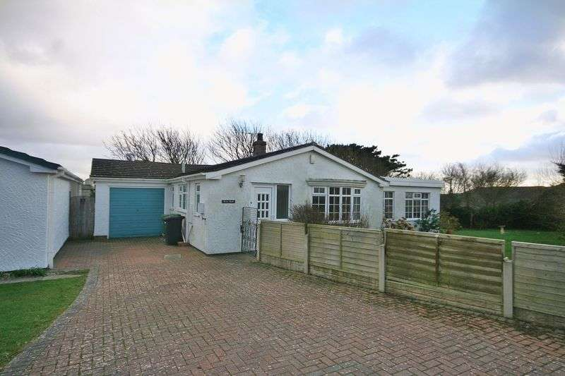 2 Bedrooms Detached Bungalow for sale in Rhosneigr, Anglesey