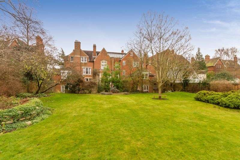 2 Bedrooms Flat for sale in Banbury Road, Oxford