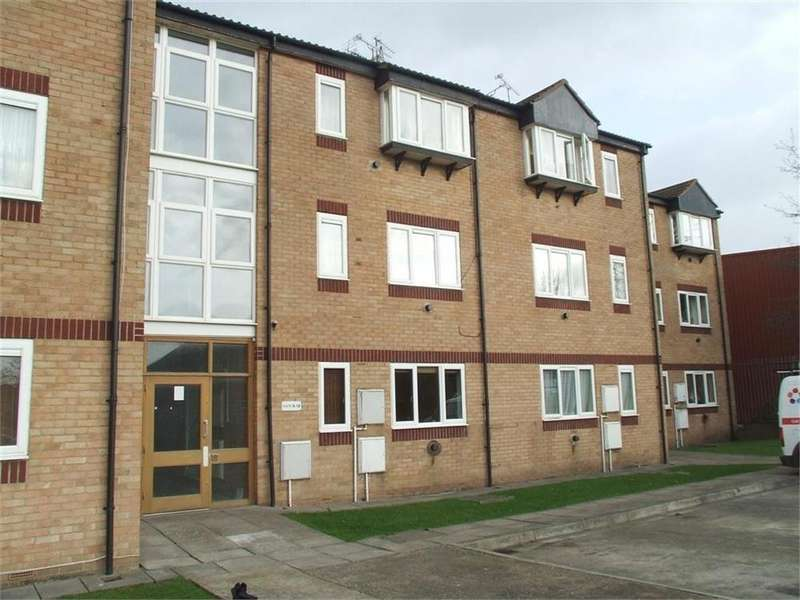 Studio Flat for rent in North Street, Nailsea, Bristol, Somerset