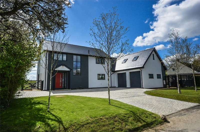 5 Bedrooms Detached House for sale in Arbour House, Cardinals Green, Horseheath