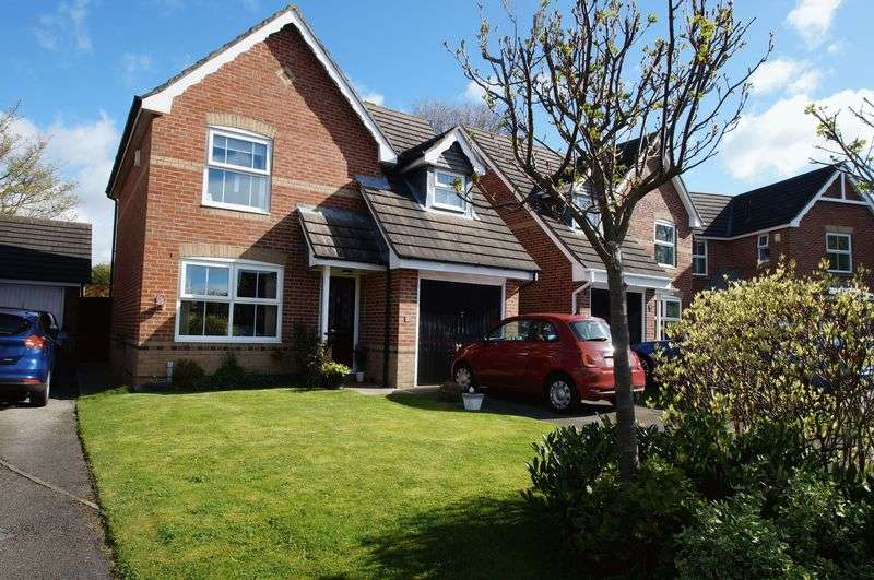 3 Bedrooms Detached House for sale in Blair Close, Sherburn Village