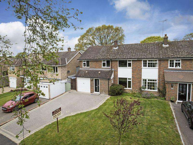 5 Bedrooms Semi Detached House for sale in St. Leonards Road, Horsham