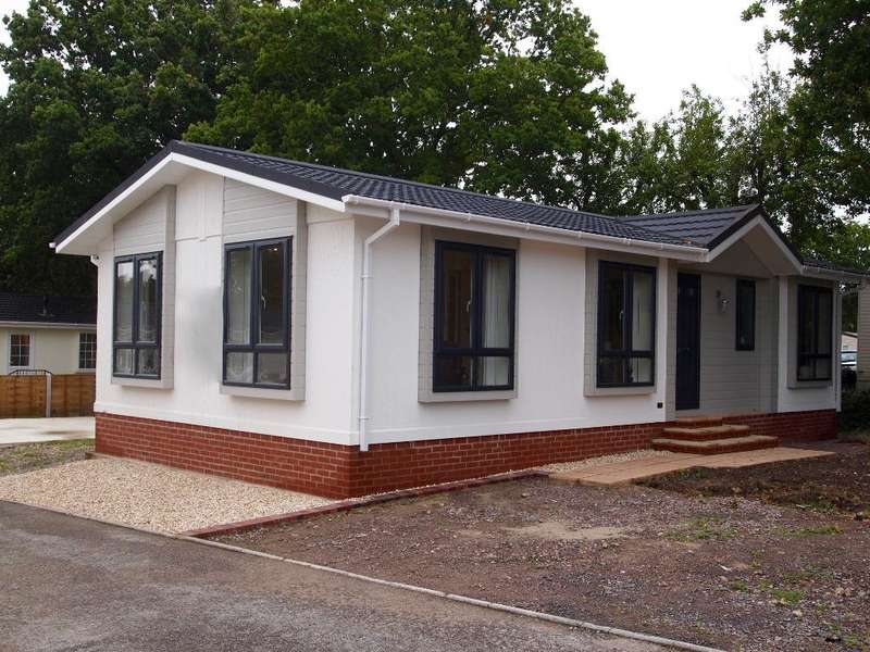 2 Bedrooms Park Home Mobile Home for sale in LO1021, Stoborough, Wareham, Dorset, BH20 5AZ