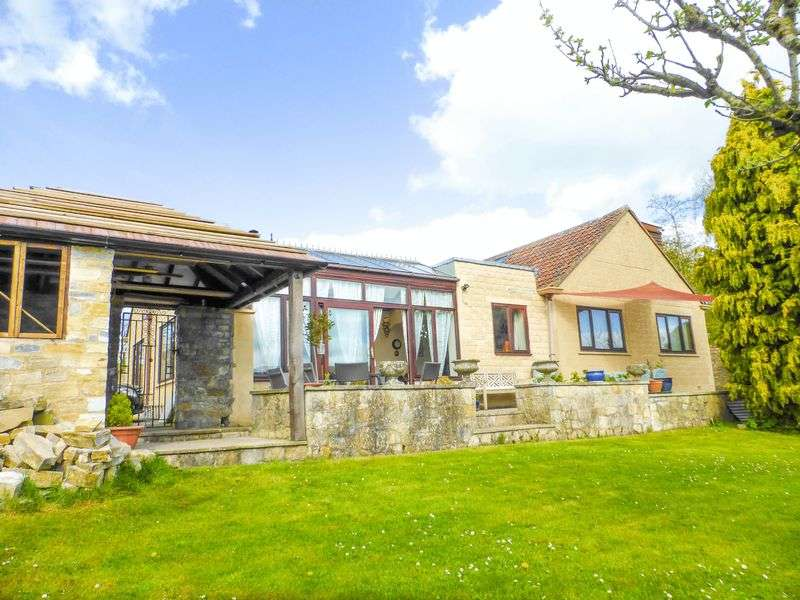 5 Bedrooms Detached House for sale in Shepton Mallet