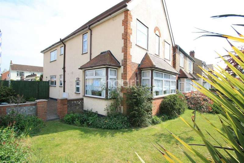 5 Bedrooms Detached House for sale in Clacton on sea