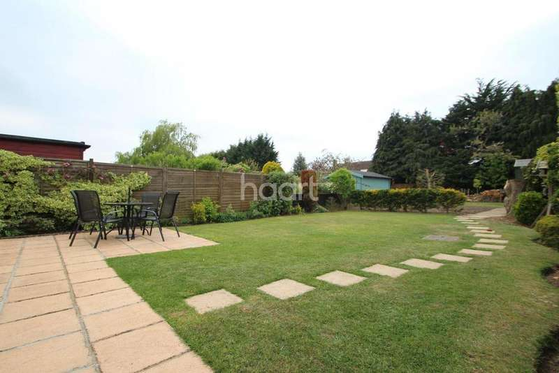 3 Bedrooms Bungalow for sale in Cambridge Road