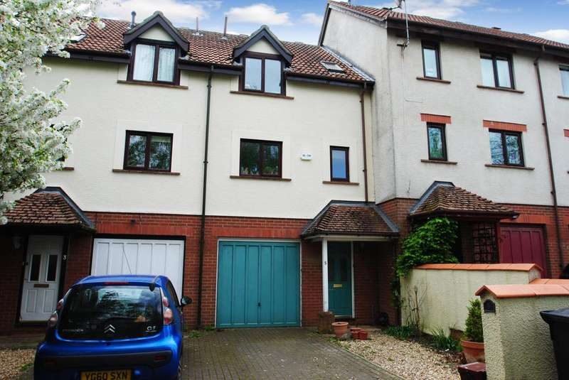 3 Bedrooms Terraced House for sale in Wesley Close, Taunton