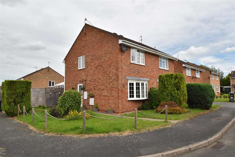 2 Bedrooms Property for sale in Henley Drive, Droitwich Spa