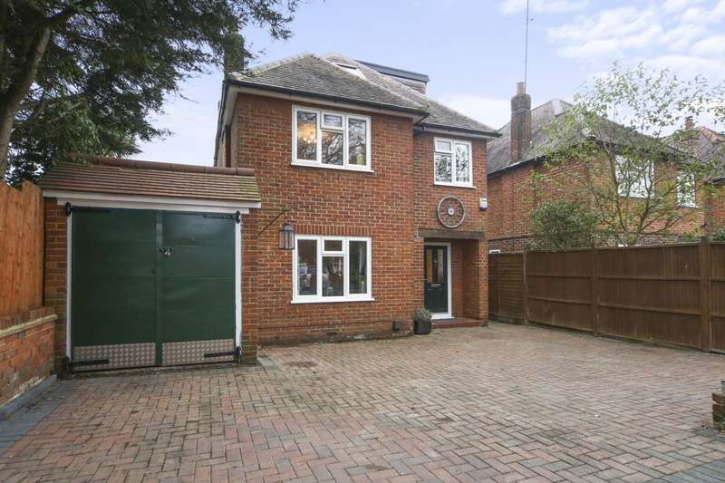 5 Bedrooms Detached House for sale in Grove crescent, Walton on thames, Surrey, KT12