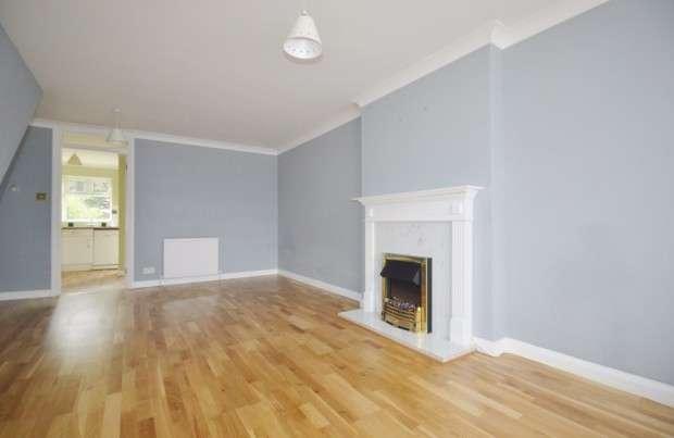 4 Bedrooms Terraced House for sale in Teevan Road, Croydon, CR0