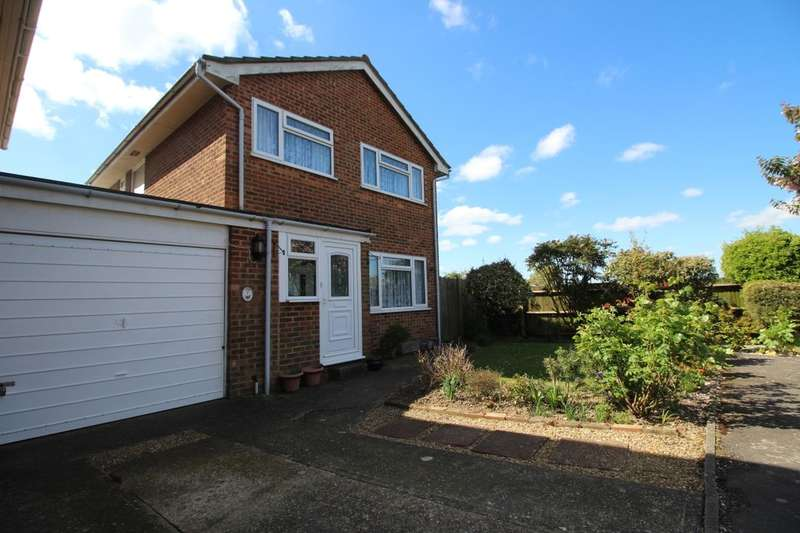 3 Bedrooms Property for sale in Rowan Close, Ashford, TN23