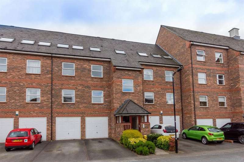 2 Bedrooms Flat for sale in Whitecross Gardens, York