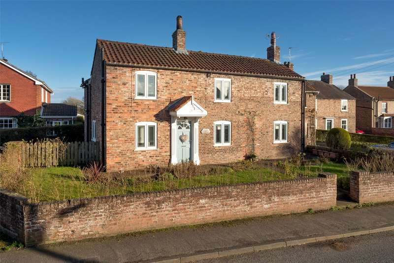 4 Bedrooms Detached House for sale in Main Street, Huby, York, YO61