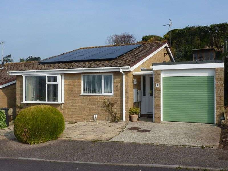 2 Bedrooms Detached Bungalow for sale in Charmouth Close, Lyme Regis
