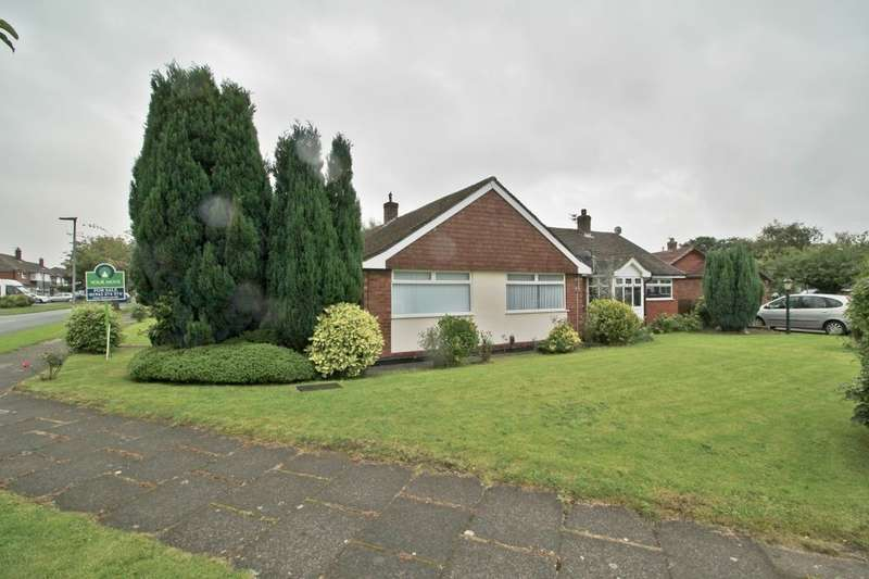 2 Bedrooms Semi Detached Bungalow for sale in Eskdale Road, Ashton-In-Makerfield, Wigan, WN4