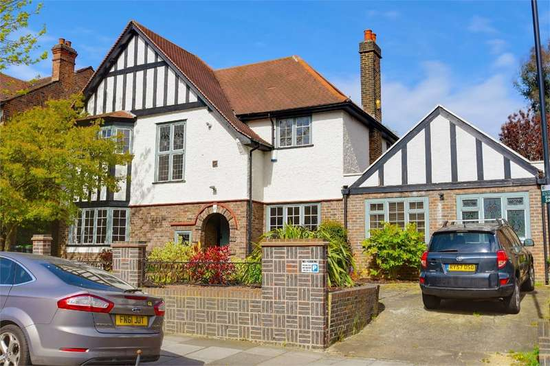 5 Bedrooms Detached House for sale in Grosvenor Road, Muswell Hill, London