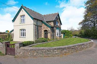 3 Bedrooms Detached House for sale in Wadebridge, ., Cornwall