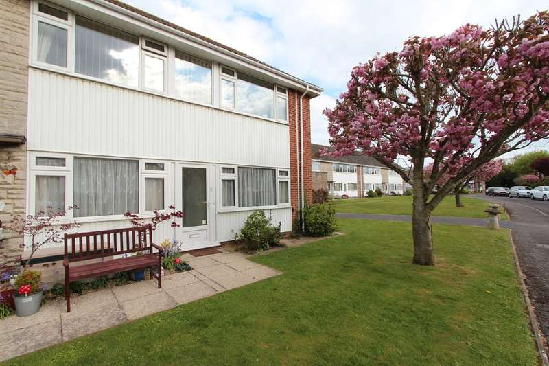 2 Bedrooms Flat for sale in FRIARS CLIFF