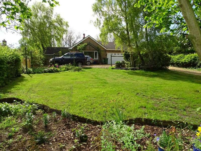 3 Bedrooms Detached Bungalow for sale in Church Lane, Whittington