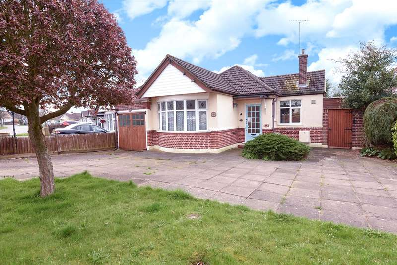 2 Bedrooms Bungalow for sale in Ladygate Lane, Ruislip, Middlesex, HA4