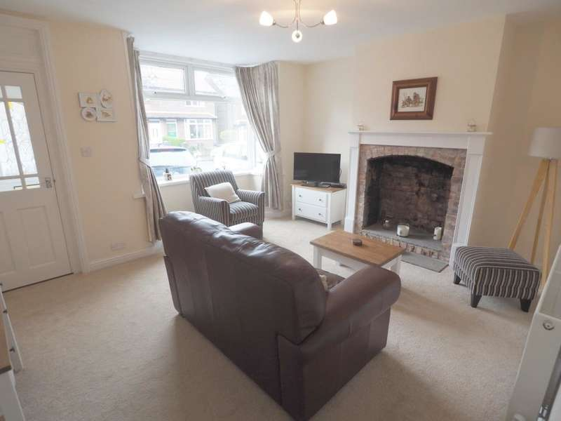 2 Bedrooms Terraced House for sale in Laneside Road, New Mills, High Peak, Derbyshire, SK22 4LT