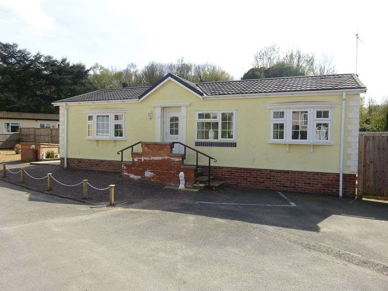 2 Bedrooms Retirement Property for sale in Drayton Hall Park, Drayton, Norwich