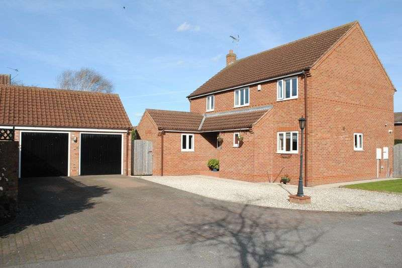 4 Bedrooms Detached House for sale in Dutch Court, Barlby