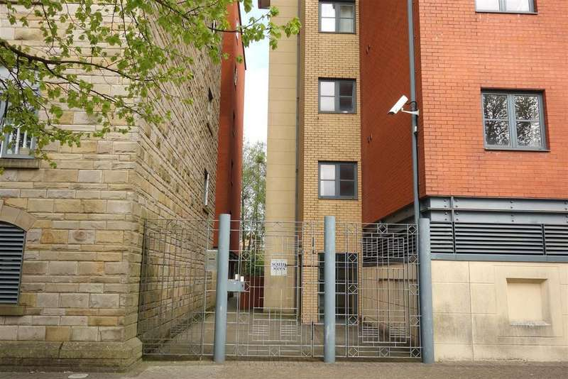2 Bedrooms Flat for sale in South Mews, Lloyd George Avenue. Cardiff