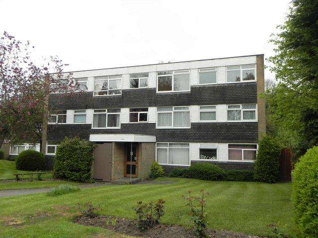 2 Bedrooms Flat for sale in Trident Close,Walmley,Sutton Coldfield
