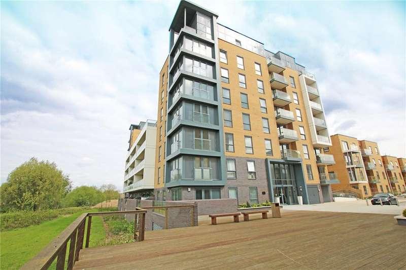 2 Bedrooms Flat for sale in Skylark House, Drake Way, Reading, Berkshire, RG2