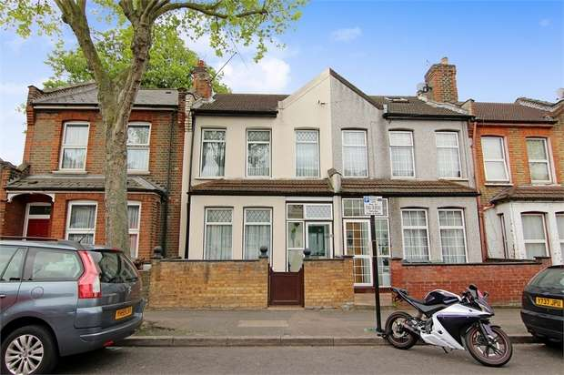 3 Bedrooms Terraced House for sale in Boundary Road, Walthamstow, London