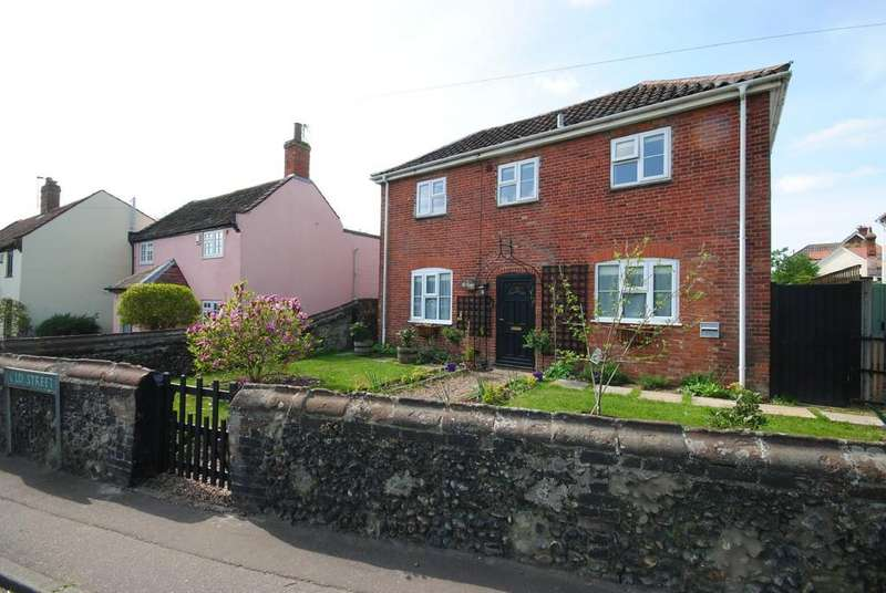 4 Bedrooms Detached House for sale in Old Street, Newton Flotman