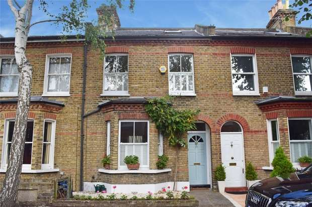 3 Bedrooms Terraced House for sale in South Western Road, St Margarets, Twickenham