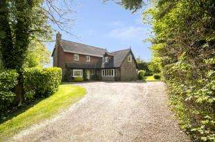 5 Bedrooms Detached House for sale in Rectory Close, Etchingham Road, Burwash, East Sussex