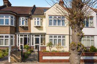 5 Bedrooms Terraced House for sale in Ashburton Avenue, Shirley Park, ., Croydon