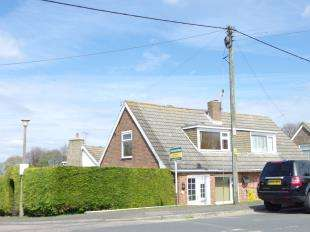 2 Bedrooms Bungalow for sale in Nursery Lane, Whitfield, Dover, Kent