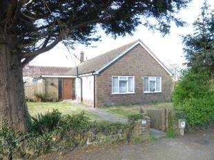 3 Bedrooms Bungalow for sale in Priory Close, New Romney, Kent, .