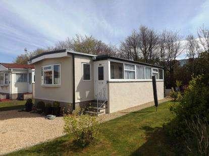2 Bedrooms Mobile Home for sale in Venture Residential Park, Westgate, Morecambe, Lancashire, LA4
