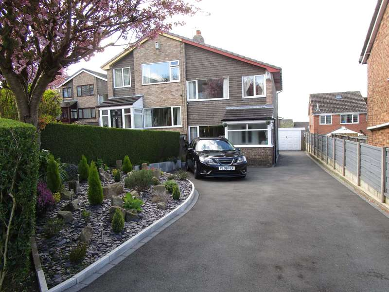 3 Bedrooms Semi Detached House for sale in Kendal Drive, Shaw