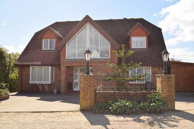 5 Bedrooms Detached House for sale in Heathfield Road, Bembridge, PO35 5UQ