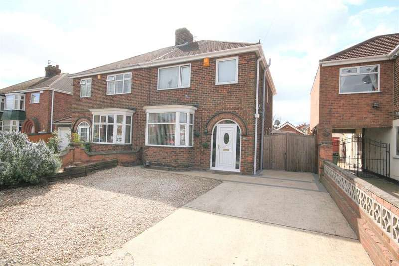 3 Bedrooms Semi Detached House for sale in Queen Mary Avenue, Cleethorpes, DN35