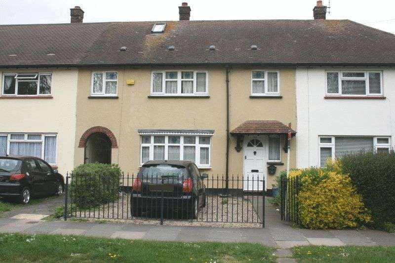 4 Bedrooms Terraced House for sale in Archer Avenue, Southend-On-Sea