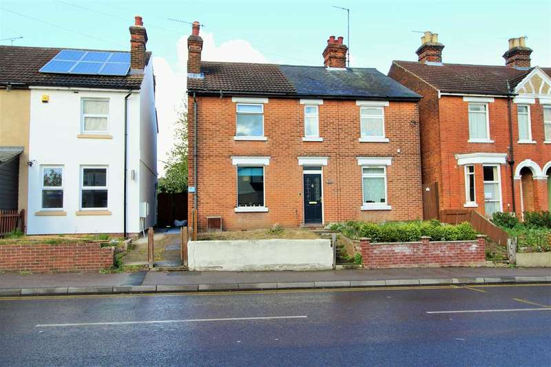 2 Bedrooms Semi Detached House for sale in Mersea Road, Colchester