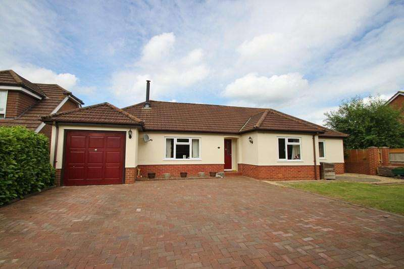 3 Bedrooms Detached Bungalow for sale in Howe Lane, Verwood