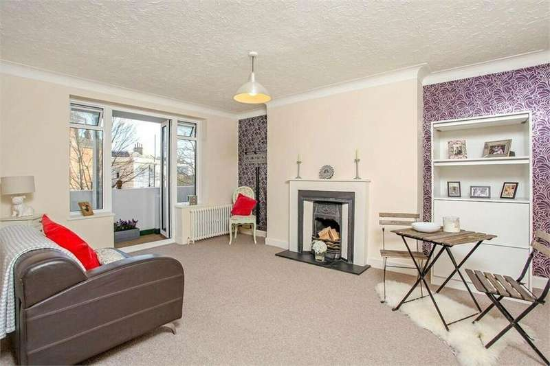 2 Bedrooms Flat for sale in Furze Hill, Hove, East Sussex