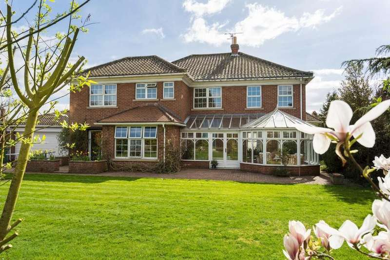 4 Bedrooms Detached House for sale in Wenlock Drive, Escrick, York