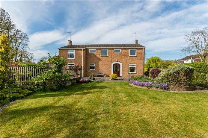 5 Bedrooms Detached House for sale in Vine Close, Stapleford, Cambridge