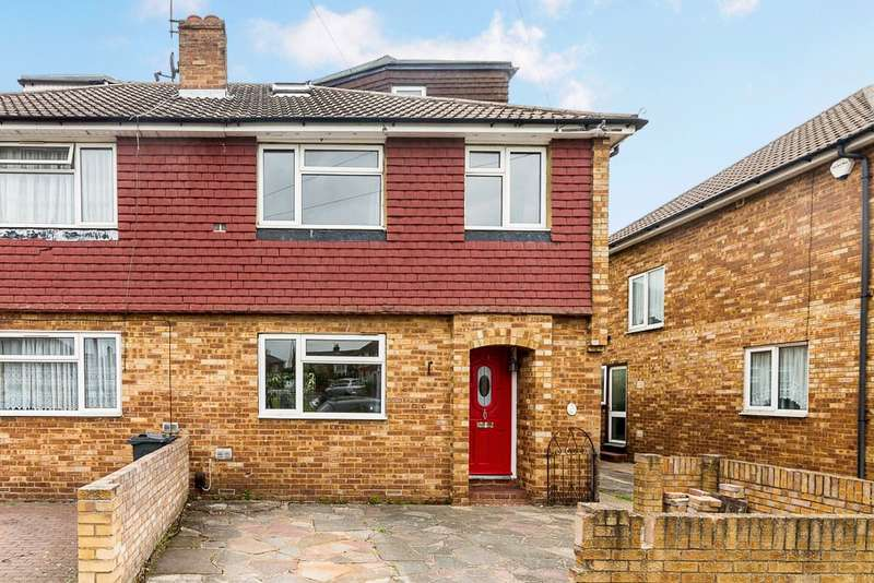 4 Bedrooms Semi Detached House for sale in The Gardens, Bedfont, TW14